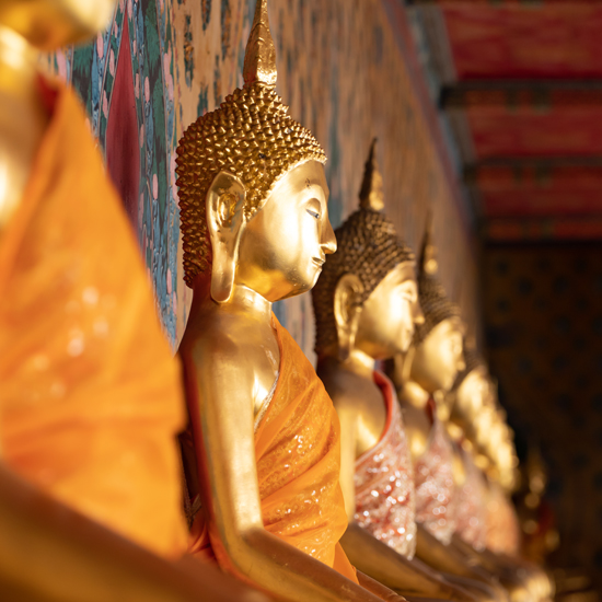 Sehenswürdigkeit Statue goldener Buddha im Tempel Wat Pho Bangkok Thailand
